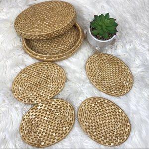 Set of 4 oval Trivets with storage basket NWOT